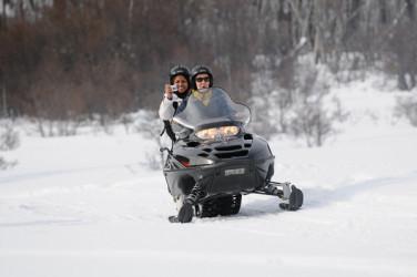 Conducir motos de nieve